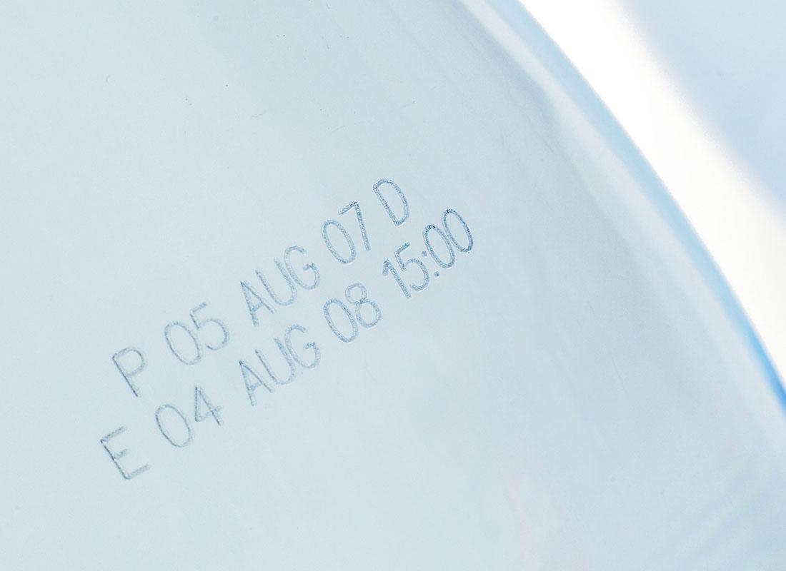 laser-code-on-glass-bottle.jpg